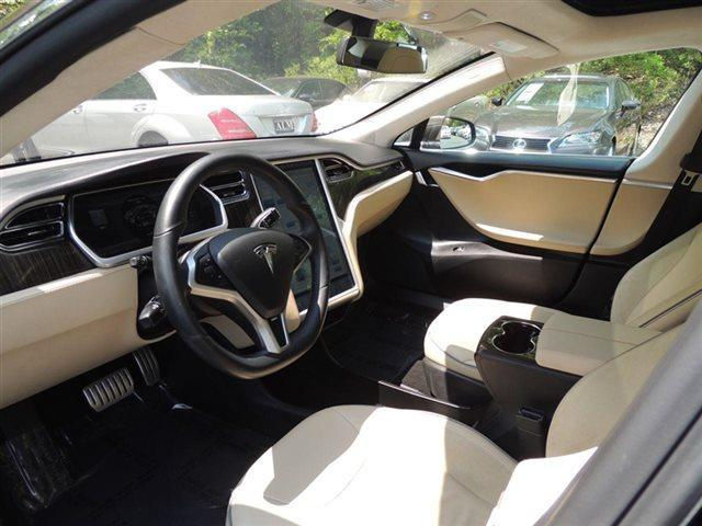 Tesla model s interior colors amazing tesla for Interior tesla model s